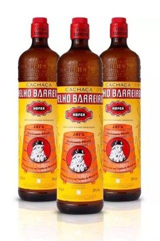 Vende- se 24  Garrafas de Velho Barreiro de Vidro de 900 ml