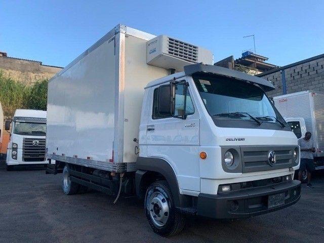 Caminhão Volkswagen 10160 baú