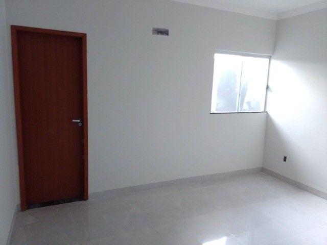 Casa nova com acabamento fino, no bairro Figueiras do Park! - Foto 9