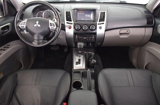 Mitsubishi Pajero 3.2 Hpe 4x4 7 Lugares Diesel Automático 2016 - Foto 3