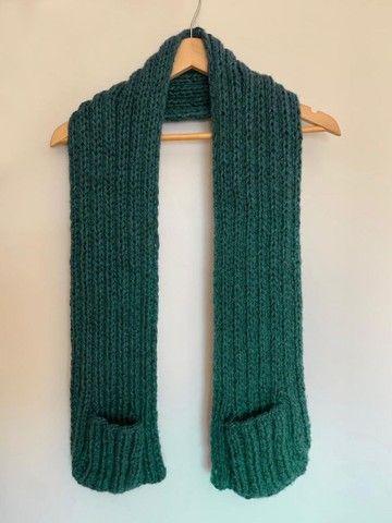 Manta em tricô ou crochê com bolsos  - Foto 3