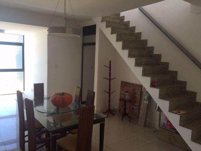 Apartamento Duplex cobertura, frente ao mar, em Amaralina, 3 quartos