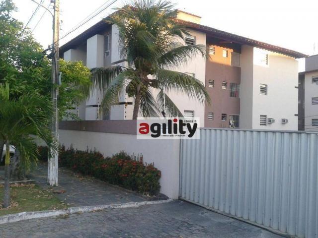 Apartamento residencial à venda, Candelária, Natal - AP0146.