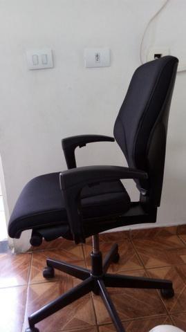02 Cadeiras giratórias Giroflex