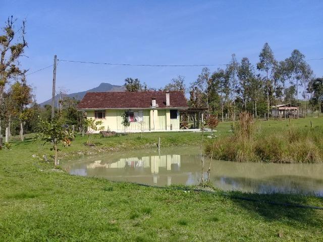 Chácara c/Terreno 6000m2 02 casas * 02 tanques c/ peixes Doc. ok