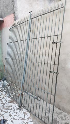 Portão e grade de ferro - Foto 4