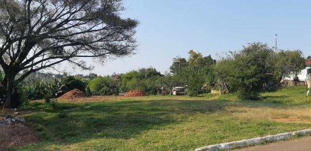 Terreno em ótima localização em Lomba Grande, metragem diferenciada