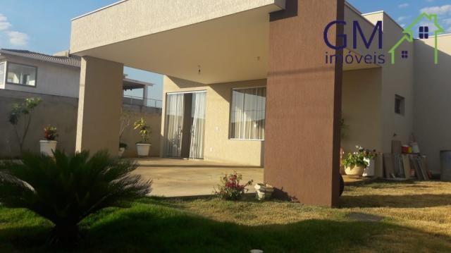 Casa a venda / condomínio alto da boa vista / 3 quartos / suites / churrasqueira / piscina
