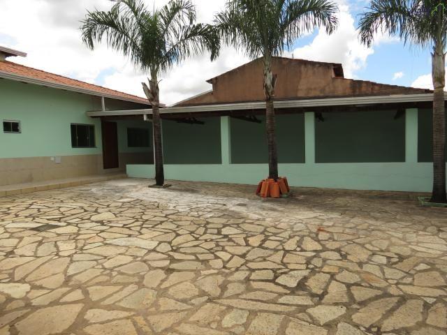 Casa a venda no condomínio morada da serra / 03 quartos / setor de mansões / churrasqueira - Foto 2