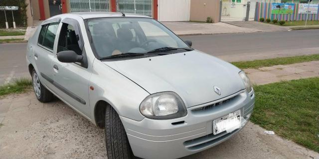 Renault Clio 2002 com vidro elétrico ar condicionado troco por Saveiro