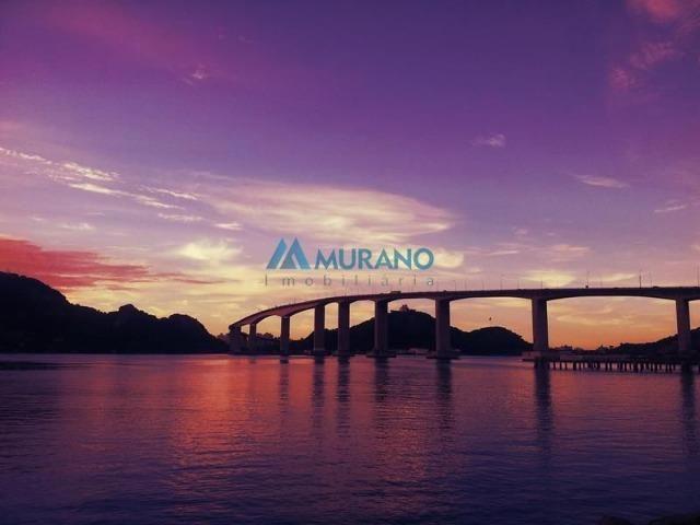 Murano Imobiliária vende casa triplex com 05 quartos na Ilha do Boi em Vitória - ES