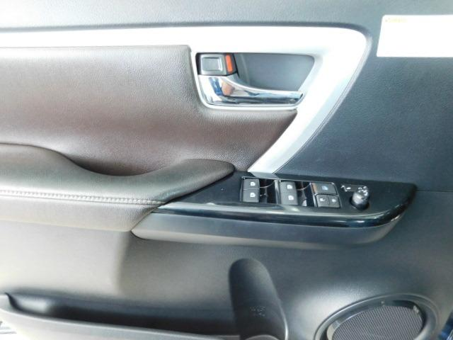 Toyota Hilux SW4 SRV 2.8 Diesel - Foto 9