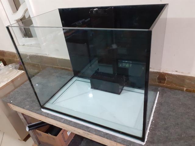 Aqua 70x42x55 10mm lapidado+sump externo/bota em acrilico corte laser/loc line - Foto 3