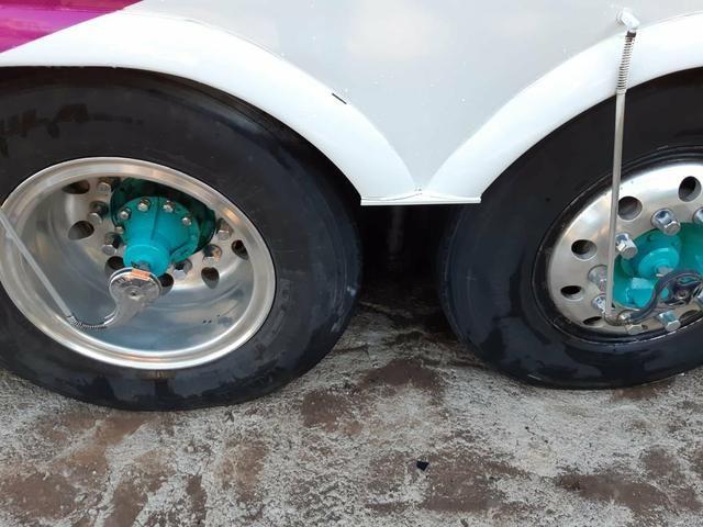 Vendo 8 rodas de alumínio ( 1100x20) - Foto 5