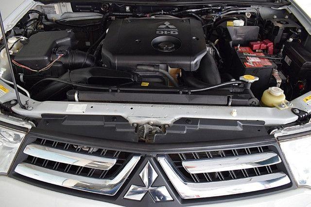 Mitsubishi Pajero 3.2 Hpe 4x4 7 Lugares Diesel Automático 2016 - Foto 10