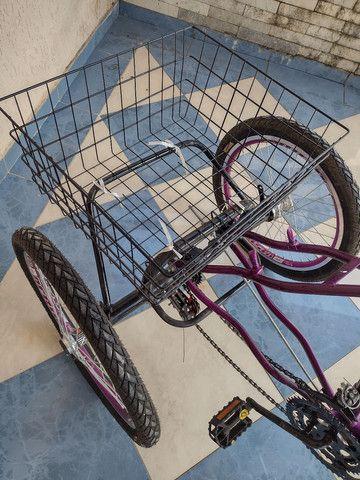 Lindo triciclo novo com cestinha e sela de gel - Foto 2