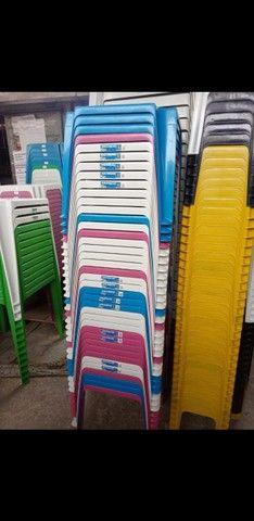 Mesas e Cadeiras Infantis R$17.00 / Celular