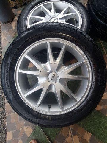 """Rodas 15"""" 4x114 com pneus."""