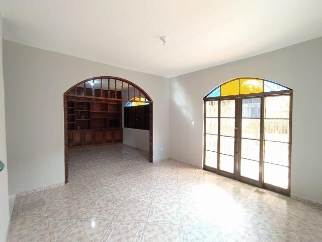 Linda Casa Amambai Próxima do Centro com 4 Quartos**Venda** - Foto 13