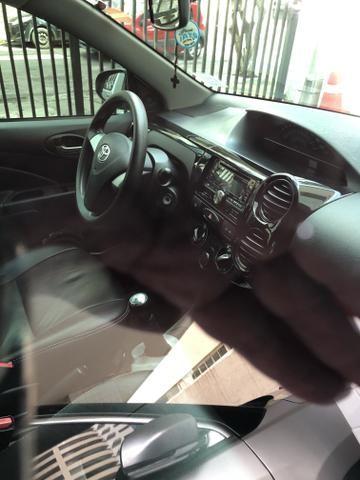 Etios sedan 1.5 2014 - Foto 10