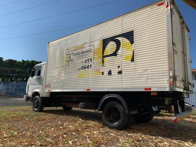 Caminhão 8-150 ano 2004 com baú Frigorífico - Foto 5