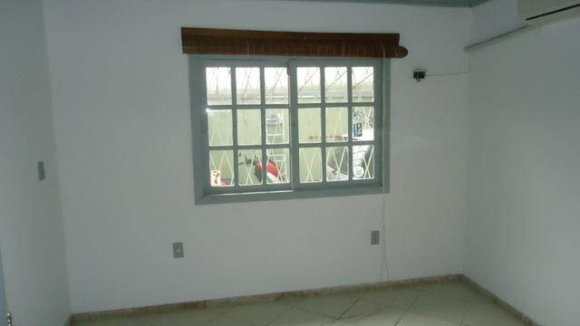Ótima casa 3 dormitórios com vaga no Cristal próximo Avenida Icaraí - Foto 12