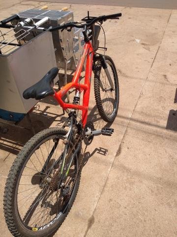 Bicicleta Mormaii aro 26 semi nova - Foto 2