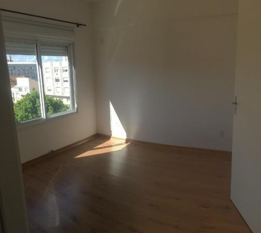 Para investidores, apartamento novo com armário na cozinha e garagem, 4º andar com elevado - Foto 4