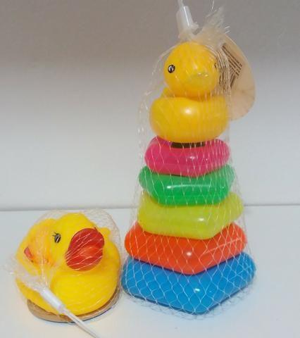 KIT de 4 Patinhos de Borracha e Pirâmide de Argolas Brinquedos Educativos Infantil Criança - Foto 2