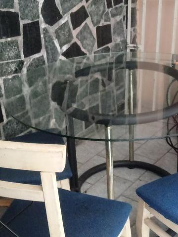 Mesa estilosa de vidro grosso + 4 cadeiras lindas. Ac Cartão.Frete barato - Foto 4