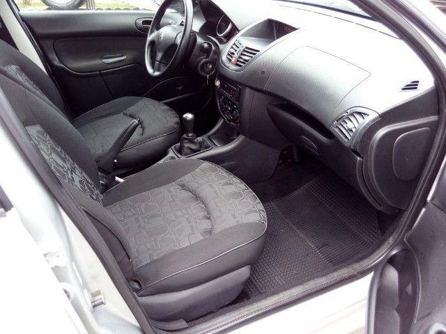 Peugeot 207 XR 1.4 Flex 2010 - Foto 8
