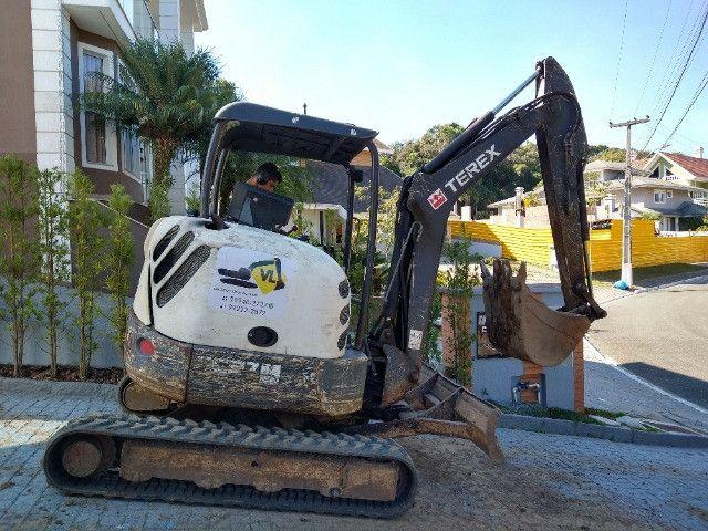 Perfuratriz com Bob Cat Mini Escavadeira - Foto 2