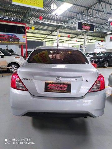 Nissan Versa 1.0S 2016 - Foto 3
