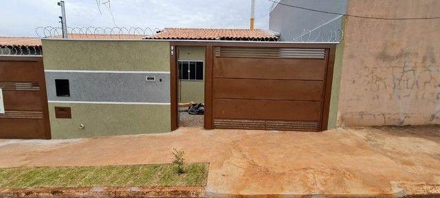 Casa no Jardim Aeroporto com 2Q.