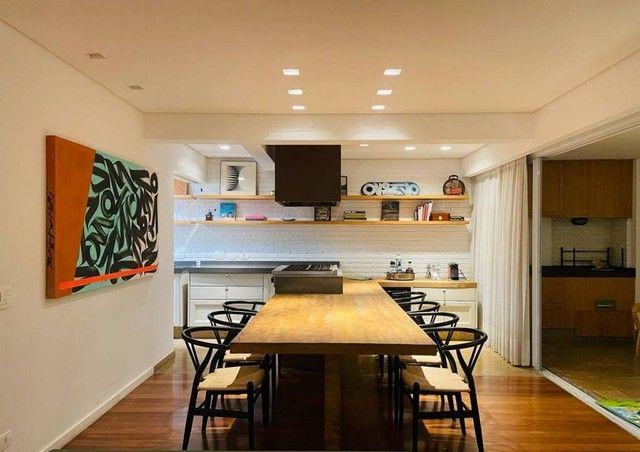 Apartamento de 160m² com 3 suítes na Vila Olímpia.