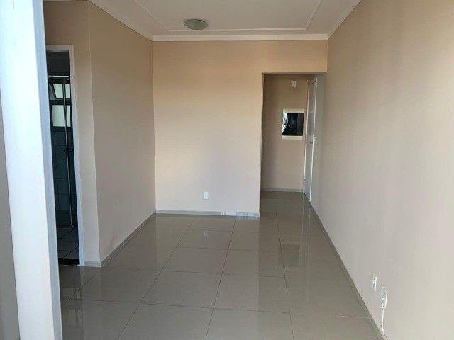 Lindo Apartamento Residencial Bela Vista Rita Vieira com Elevador e Sacada - Foto 3