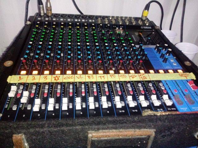 Mesa de Som Yamaha 16 canais 4 aux. - Foto 4