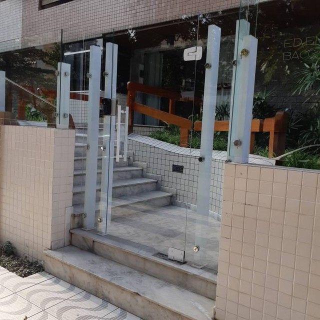 Amplo e arejado apartamento de 3 dorms (1 suíte) à venda no Gonzaga em Santos ? SP - Foto 2