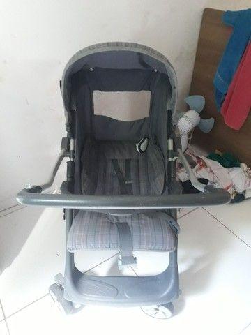 Carrinho de bebê bem conservado