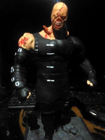 Esculturas The Last of Us e Resident Evil - Foto 4