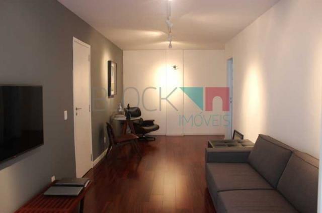 Apartamento para alugar com 2 dormitórios cod:RCAP20813