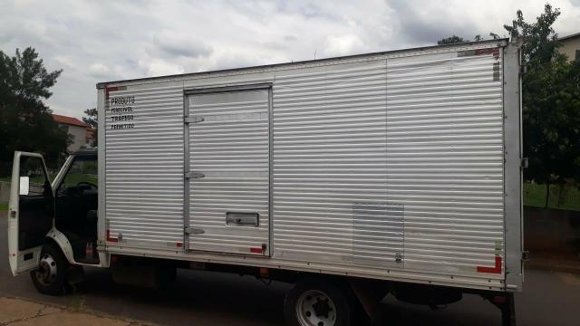 Vendo Caminhão 2006 R$45.000,00 - Foto 2