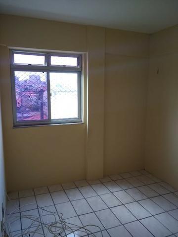 Ótimo apartamento com 02 quartos para aluguel no bairro Joaquim Távora - Foto 12