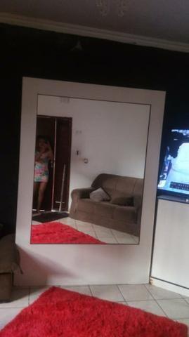 Vendo móvel com espelhos dos dois lados - Foto 2