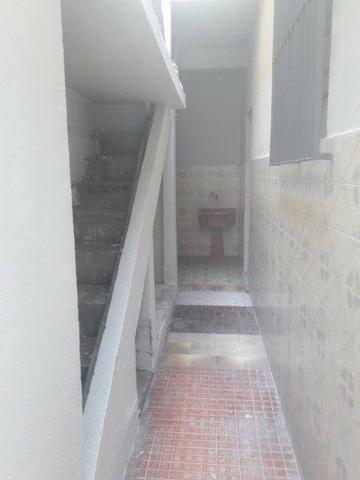 Casa 100% Independente na Vila da Penha, 02 Quartos, Quintal, Garagem etc. - Foto 4