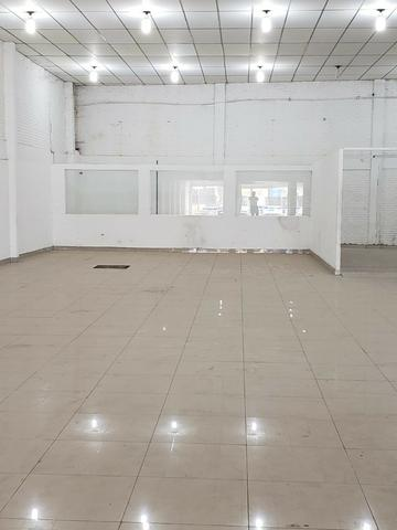 Alugo Galpão com área total de 1.200,00 m2, St. Vila Rosa na Av. Rio Verde - Foto 7