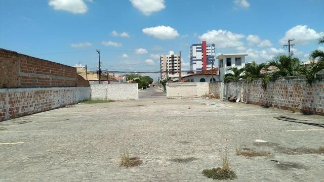 Ponto comercial com 600m² todo murado, no bairro Farolândia - Foto 5