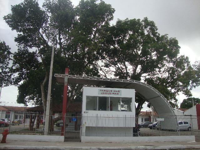 Alugo Casa cond. fechado, Bairro Santos Dumont,Maceió-AL, (500,00), 2 quartos, com garagem