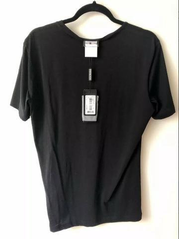 Camiseta Armani Masculina - Foto 2