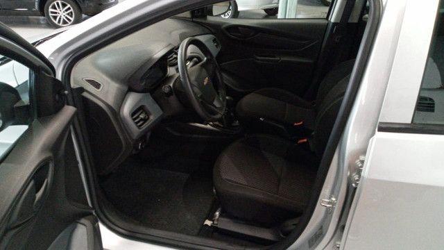 Chevrolet Onix Joy 1.0 - Foto 9